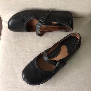 Born Black Leather Mary Jane sz 9M